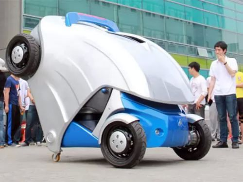 تصميم سيارة تطوى نفسها لتصبح مثل حيوان المدرع 6369-3-or-1379529305.jpg
