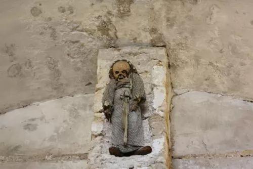 صور - غرائب الطبيعة : سرداب الموتى فى ايطاليا