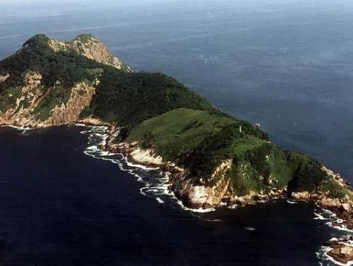 جزيرة الثعابين : الجزيرة الاكثر خطورة و دموية في العالم