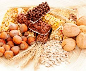 ما هي فوائد زيادة كمية الالياف الغذائية يوميا للجسم ؟