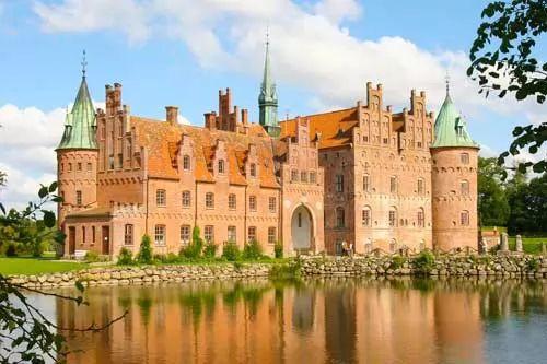 صور - 10 من اجمل القلاع في العالم بالصور