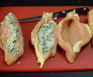 طريقة عمل صدور الدجاج المحشية في الفرن