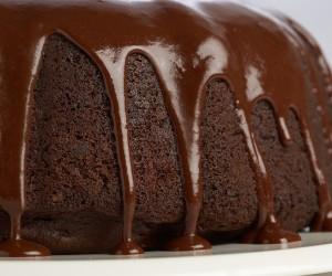 عمل كيكة الشوكولاتة بطريقة بسيطة و سهلة