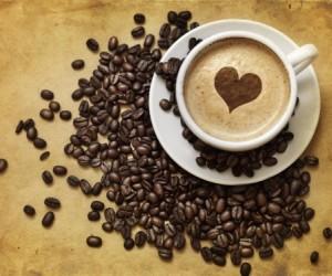 ما هي الكمية المناسبة التي يجب شربها من القهوة و الكافيين ؟