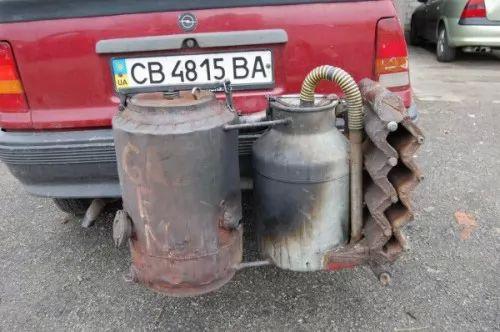 صور - غرائب وطرائف - سيارات اوكرانيا تعمل بالخشب