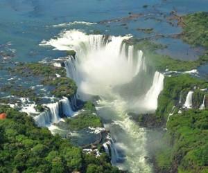عشر من اكبر شلالات في العالم بالصور