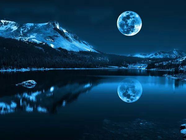 كم تبلغ المسافة بين الارض والقمر؟