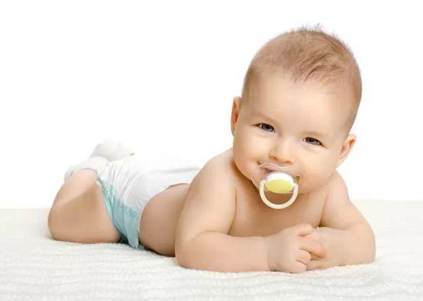 صور - هل لهاية الاطفال جيدة ام سيئة؟
