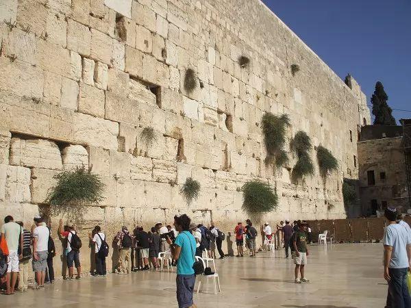 صور - هل هناك جدران شهيرة في العالم مثل سور الصين العظيم ؟