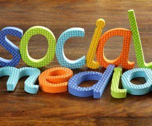 لاشك ان مواقع التواصل الاجتماعي اصبحت تشغل جانبا كبيرا من حياة مستخدمي الانترنت ، وعلى الرغم من الجوانب الايجابية لاستخدام مواقع التواصل الاجتماعي ، ...