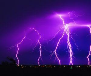 ظاهرة البرق هى واحد من اكثر الاشياء تدميرا فى الطبيعه وجميع القصص والاساطير على مدى التاريخ اجمعت على هذا الشيئ  ، ونحن نعرف القليل حول الاعمال ...