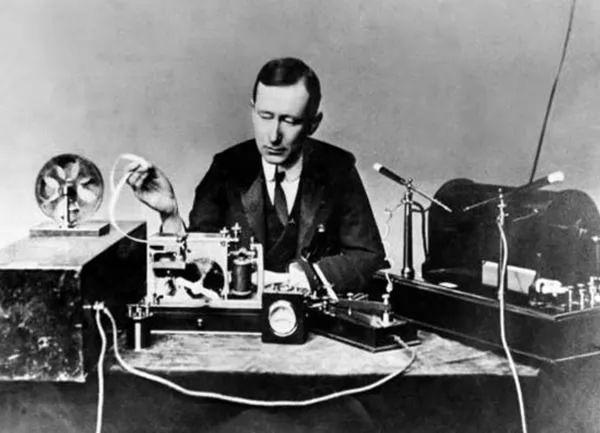 صور - ماركوني مخترع اللاسلكي وحقيقة اختراعه الراديو
