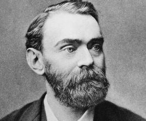 اخترع الكيميائي السويدي الفريد نوبل الديناميت وغيره من المتفجرات، وجمع ثروته الهائلة من 355 براءة اختراع لمعهد جائزة نوبل
