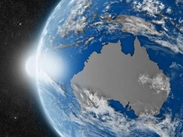 الأرض تدور في عكس الاتجاه 9246_1_or_1488384674