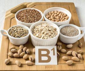 يعرف فيتامين ب1 بإسم الثيامين وهو اول نوع من فيتامين ب يتم اكتشافه ، ومن فوائد فيتامين ب1 انه يلعب العديد من الادوار المهمة فى الاداء السليم للجسم ، ...