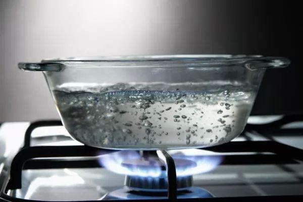 هل الملح يسرع عملية غليان الماء ؟