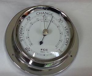 اختراع البارومتر هو جهاز يستخدم لقياس الضغط الجوي، والبارومتر يمكن أن يقيس الضغط الجوي باستخدام الماء أو الهواء أو الزئبق، وهناك نوعان شائعان من ...