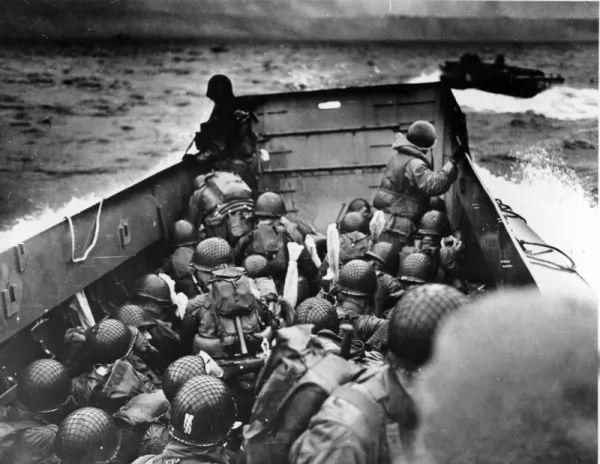 غزو نورماندي و بداية نهاية المانيا النازية 9344_1_or_1490711826.jpg