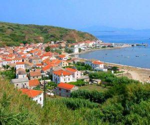 أصغر جزر كرواتيا هى جزيرة  Vela Smokvica بمساحة واحد كيلومتر مربع فقط و غير مأهولة تماما، في حين أن أكبر جزر كرواتيا جزيرة CRES  التى يبلغ عدد سكانها ...
