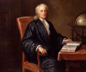 اسحاق نيوتن الذي ولد في عام 1643 وتوفي عام 1726 عالم رياضيات انجليزي، فيزيائي وعالم ، ويعتبر اسحاق نيوتن واحدا من العلماء الاكثر تأثيرا في كل العصور ...