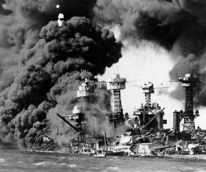 تم الهجوم على القاعدة البحرية الامريكية في بيرل هاربر، هاواي من قبل اليابانيين صباح يوم 7 ديسمبر، عام 1941 ، وكان اليابانيون قد خططوا ونفذوا الهجوم ...