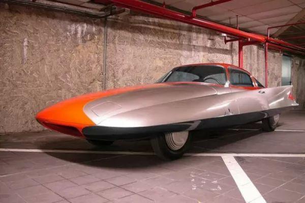 صور - اغرب 10 سيارات في العالم بالصور
