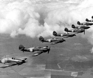 في صيف عام 1940، قرر هتلر غزو بريطانيا كانت خطته فى ما عرف باسم معركة بريطانيا السيطرة على القناة الإنجليزية من خلال تدمير القوات الجوية الملكية ومن ...