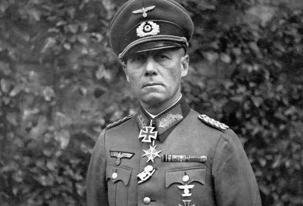 صور - القائد الالماني اروين رومل ثعلب الصحراء