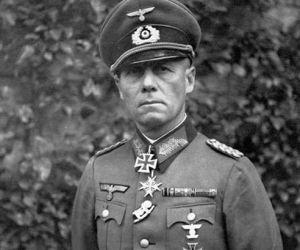 كان الجنرال اروين رومل واحد من الجنرالات الاكثر شهرة في في المانيا خلال الحرب العالمية الثانية وكان يلقب باسم ثعلب الصحراء ، واكتسب اروين رومل احترام ...