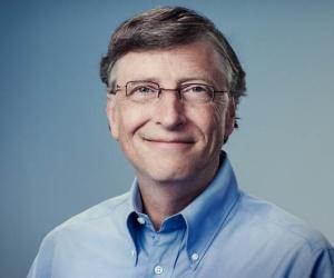 اسس رجل الاعمال بيل غيتس اكبر شركة برمجيات في العالم وهي شركة مايكروسوفت، مع بول آلن، وبعد ذلك اصبح بيل غيتس واحد من اغنى الرجال في العالم