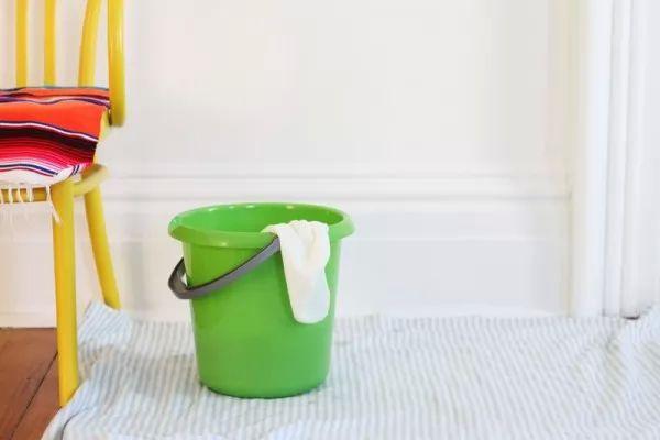 تعرفى بالخطوات على افضل طريقة فى تنظيف الجدران المنزلية