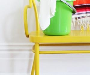 جدران المنزل تحتاج من فترة لاخرى للتنظيف ، وهذا يؤثر على الوان الطلاء ، لذلك فان الكثير من السيدات يشعرن بالحيرة بسبب خوفهم على الطلاء وفى نفس الوقت ...