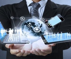 قد تم اختراع الانترنت من قبل وكالة داربا DARPA وهي (وكالة مشاريع البحوث المتطورة الدفاعية) والمخترع ليونارد كلينروك في عام 1964، والانترنت هو عبارة ...