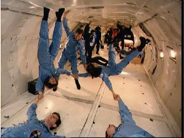 معلومات رائعة عن حياة رواد الفضاء
