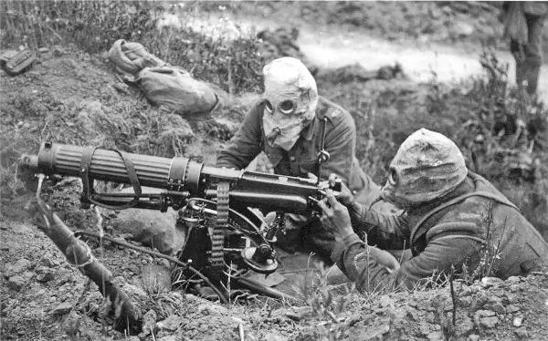 ما هى اهم اسلحة الحرب العالمية الاولى ؟
