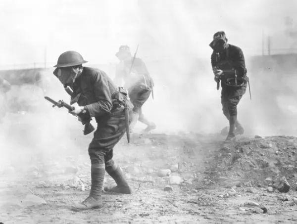 صور - ما هى اهم اسلحة الحرب العالمية الاولى ؟