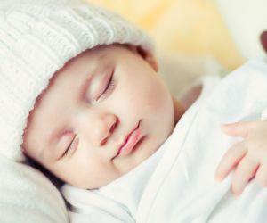 و اليكم ثماني  حالات شائعة قد تحدث الى الاطفال حديثي الولادة و سوف نتعرف على اسبابها و طرق علاجها