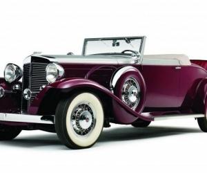 تم اختراع السيارة من قبل المخترع نيكولاس جوزيف كوجنوت والمخترع كارل بنز في عام 1769، والسيارة هي عربة ذات عجلات تستخدم لنقل الركاب، والتي تحمل أيضا ...
