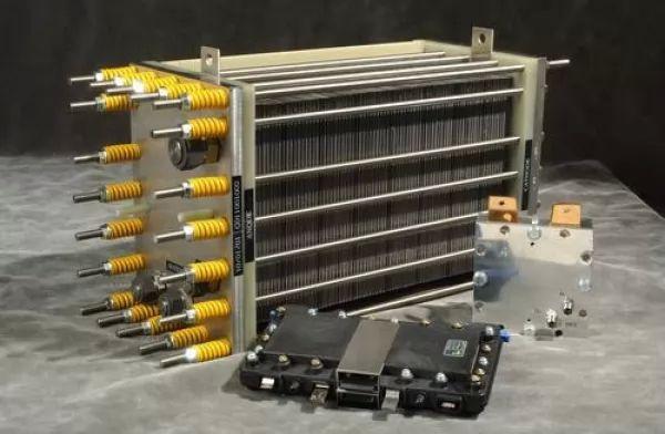 ماذا تعرف عن اختراع خلايا الوقود الهيدروجينية ؟ 9704_1_or_1501898832.jpg