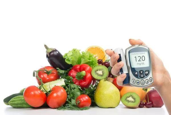 صور - ما هي اسباب واعراض انخفاض السكر فى الدم ؟ وكيف يتم التعامل معه ؟