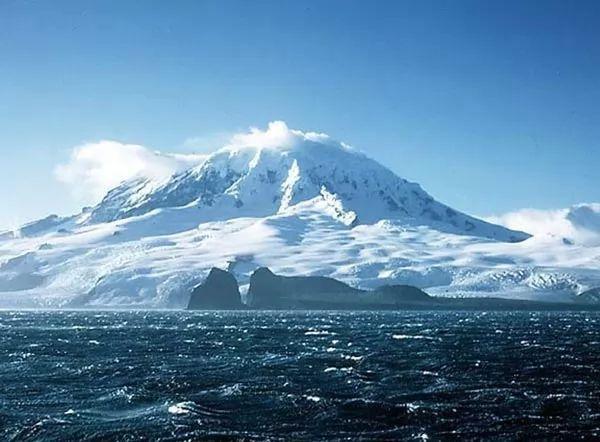جزيرة هيرد من اخطر شواطئ العالم