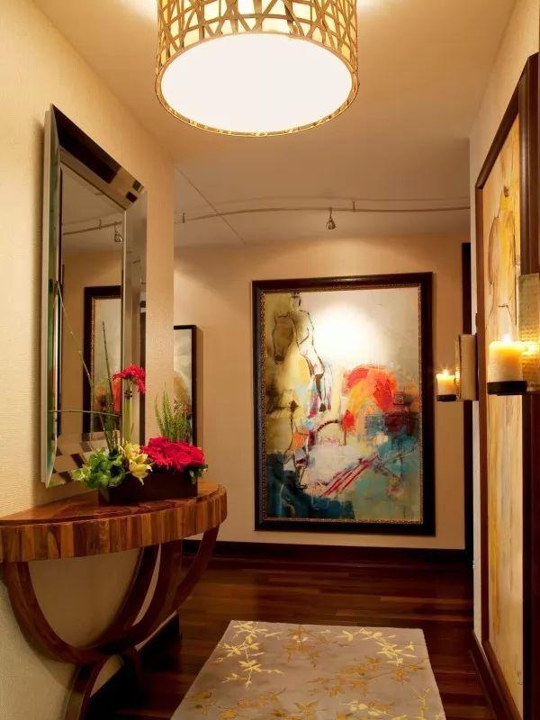تزيين ممرات المنزل باللوحات الفنية
