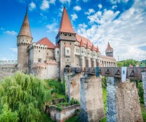 عشرة من اشهر المعالم الاثرية في العالم