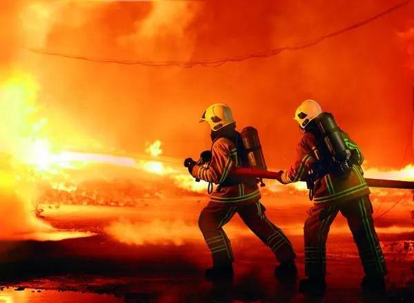 مكافحة الحرائق من اخطر المهن في العالم