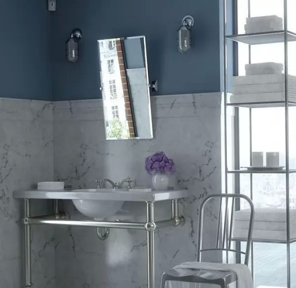 استخدام الرخام بالحمام مع اضافة لون مثير متلائم معه