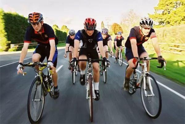 ركوب الدراجات من الرياضات الخطرة