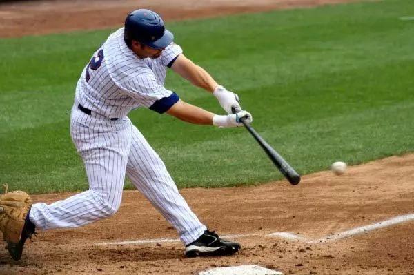 البيسبول من الرياضات الخطرة