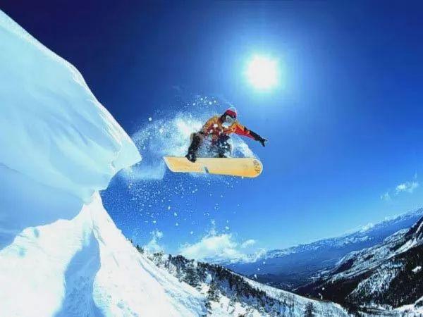 التزلج على الجليد من الرياضات الخطرة
