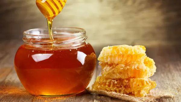 علاجات منزلية لمكافحة التسمم الغذائى treatment-of-food-poisoning_10030_1_1509239024.jpg