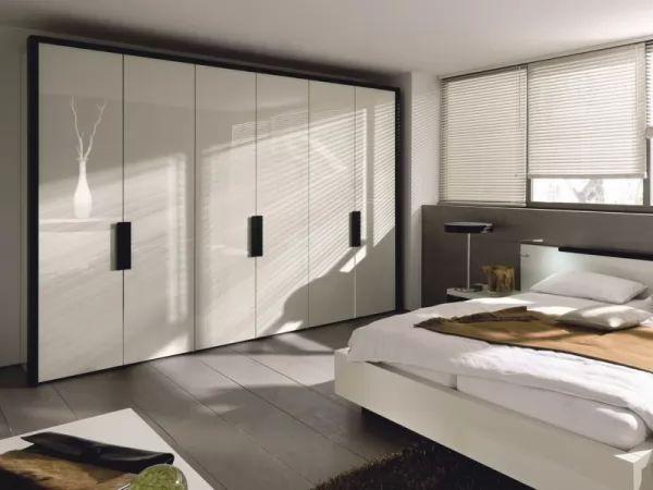 مساحات من الفضاء فى غرف النوم من افكار ترتيب المنزل